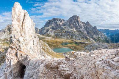 Panoramica nelle grotte del monte paterno