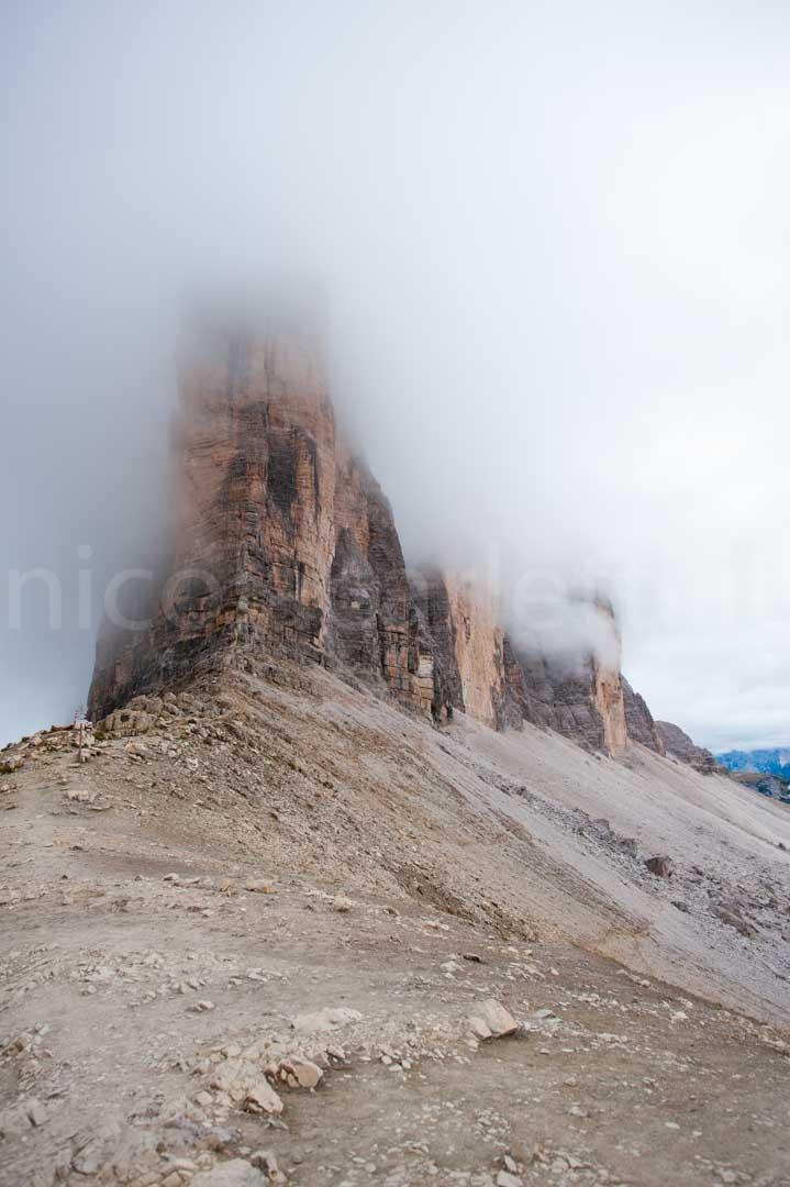 tre cime con nebbia dalla forcalle